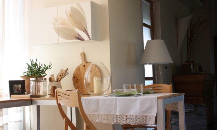 Collezione di mobili decorati progettata da Marcello Gennari